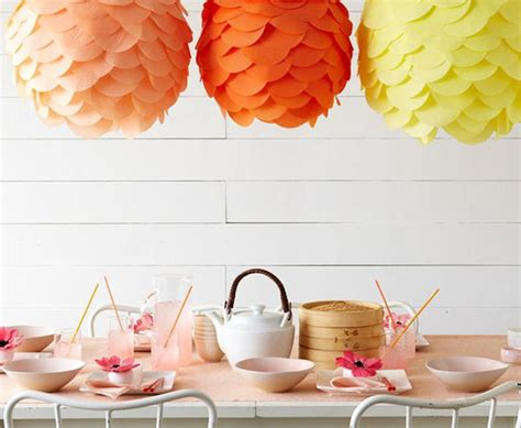 How To Make Crepe Paper Lanterns - rub colors in homes with crepe paper crafts