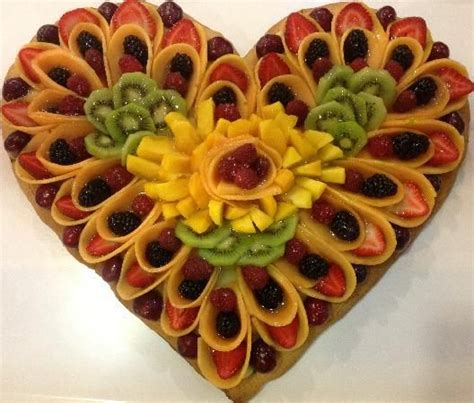 decorare torta con kiwi 17 best images about torte decorate con la frutta on