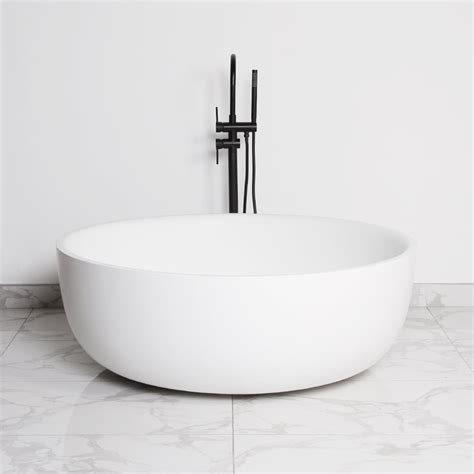 freestanding round bathtub bathtubs idea interesting freestanding round bathtub round tubs freestanding tubs