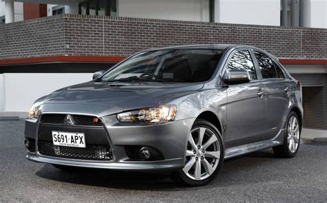 Latest Cars Models Mitsubishi Lancer 2013