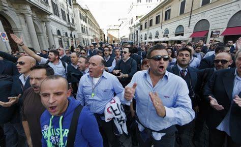 uffici atac roma atac sit in degli autisti in rivolta quot vi blocchiamo tutta