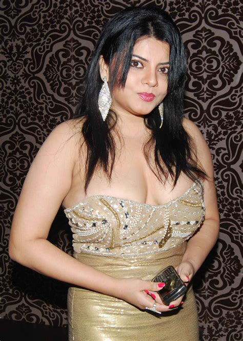wallpaper heroine wali bhojpuri actress shraddha sharma hd wallpaper