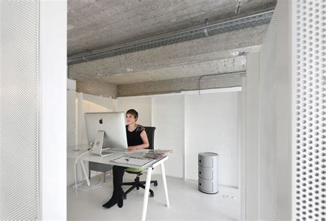 minimalist loft with white finished walls in como italy lofts minimalistes 5 exemples de d 233 coration 233 pur 233 e design