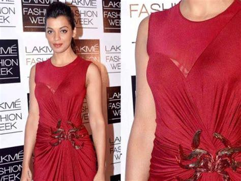 10 shocking wardrobe of actresses