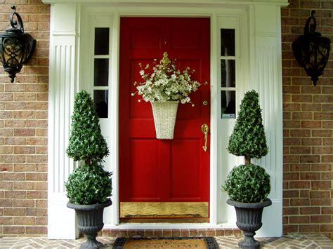 front door decoration   guests