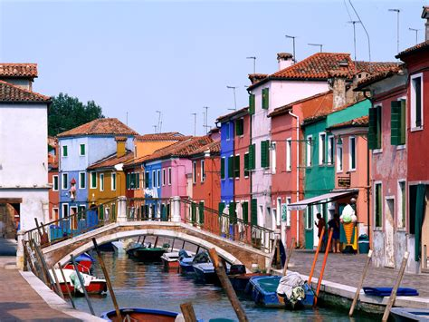 colorful city exciting color colorful burano italy 10 colorful places
