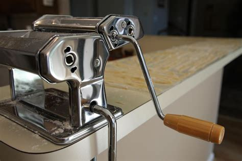 impastatrice per pasta fatta in casa macchine per la pasta fatta in casa robot per cucina