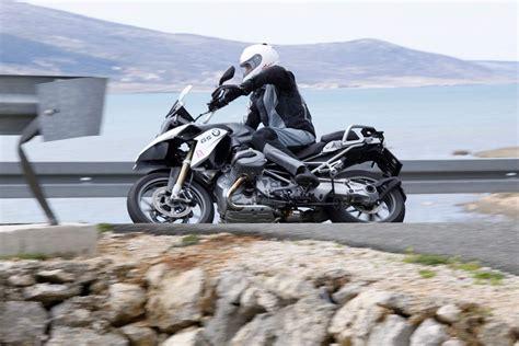 Motorrad Führerschein Vergleich by Bmw R 1200 Gs Vs Ktm 1190 Adventure Vergleich Motorrad