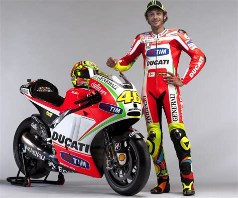 biography of valentino rossi valentino rossi biography childhood life achievements