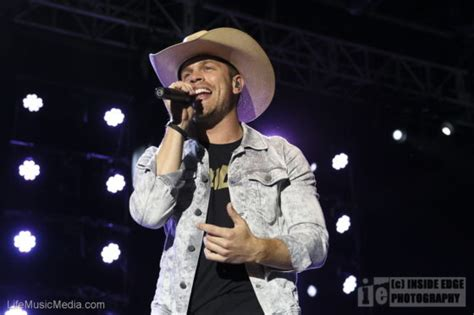 luke bryan qudos bank arena live review luke bryan dustin lynch at qudos bank