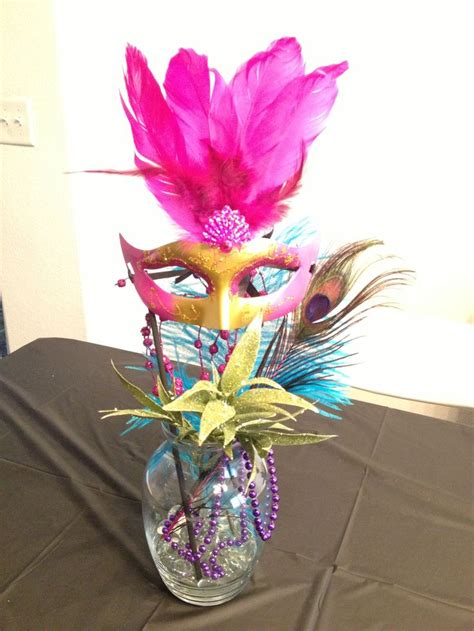 masquerade centerpieces 15 party pinterest feathers