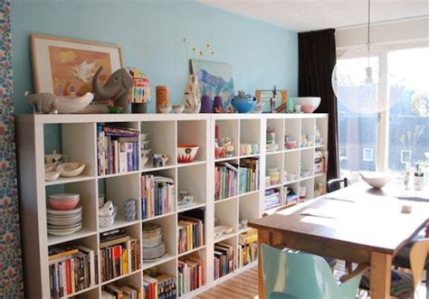 Rak Buku Perpustakaan Pribadi ide simpel menata rak buku pribadi