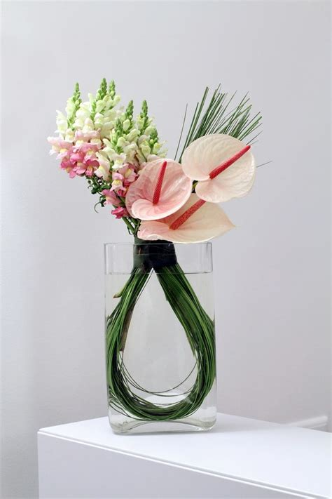 Floral Arrangements by 25 Best Ideas About Modern Flower Arrangements On