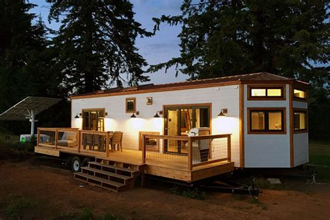 Tiny Cabin Homes hawaii house by tiny heirloom tiny living
