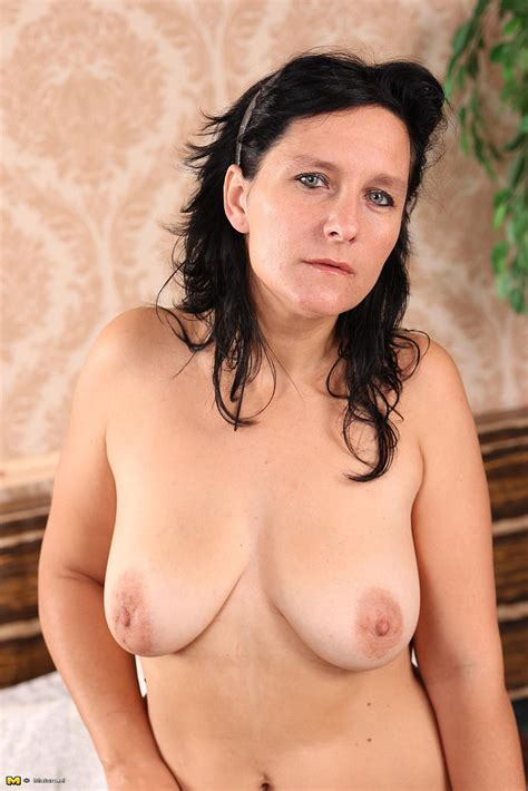 Horny Brunette Milf Toy Fuck Her Punani Photos Graciela