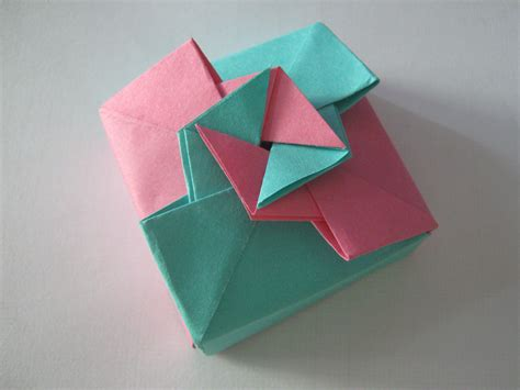 How To Make A Gift Box From Paper - origami gift box tutorial learn 2 origami origami