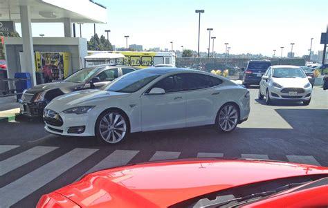 Rent A Tesla San Diego Tesla Model S Rental Car At Hertz Dragtimes Drag