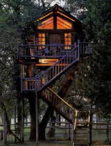Backyard Treehouse Garden Landscaping Brilliant Outdoor Tree House For Your