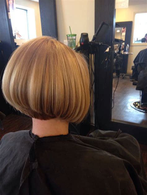 diy cutting a stacked haircut 25 best ideas about medium stacked bobs on pinterest