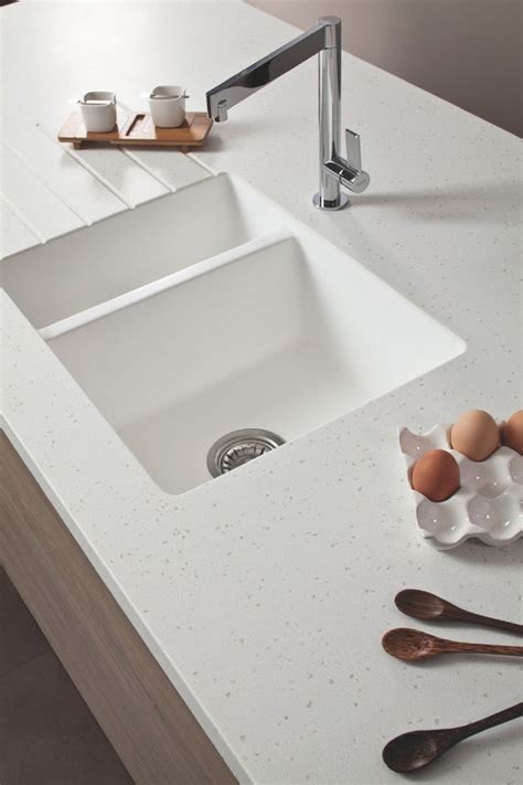 White Solid Surface Worktop Best 25 Corian Countertops Ideas On Modern