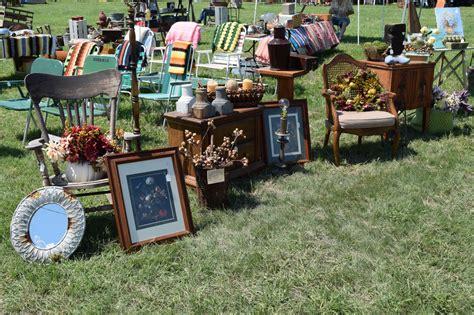 outdoor vintage flea market