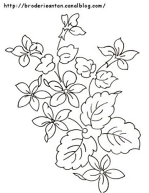 disegni di fiori da ricamare disegni di ricamo ciclamini