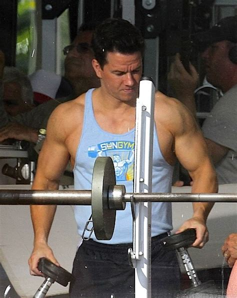 mark wahlberg bench press mark wahlberg workout for pain gain fitnezz net