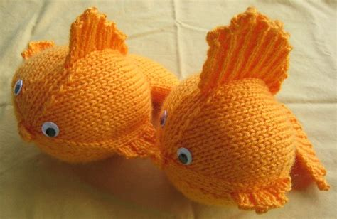 how to knit a fish these goldfish are and easy to make as pictured here