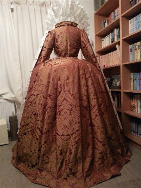 Elisabeth Dress elizabeth i gowns backside of the ditchley gown