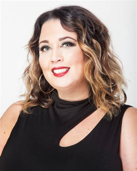 how does lisa rinnsblow dry her hair lisa bevivino runs the glam dry a blow dry lounge