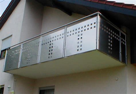Sichtschutz Fenster Vögel by Pin Edelstahlgel 228 Nder Mit Lochblechf 252 Llung On