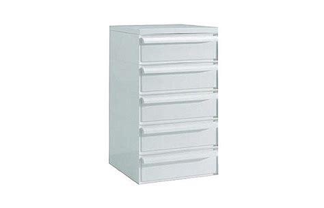 kartell drawers surrounding