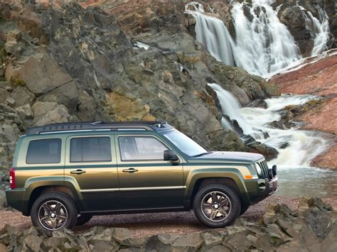 2005 Jeep Patriot 2005 Jeep Patriot Concept Waterfalls 1920x1440 Wallpaper
