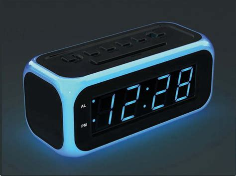 Recycled Crafts For Home Decor by Digital Clocks