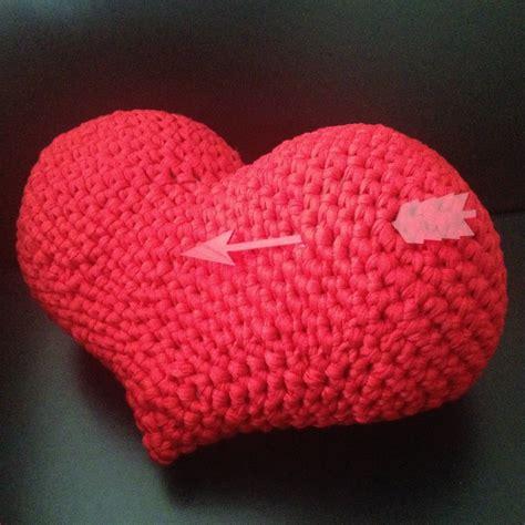t shirt yarn cushion pattern heart amigurumi pattern saint valentine cushion pillow