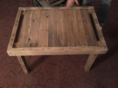 pallet  table  reused wood