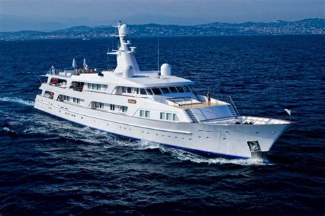 bluewater boats website illusion yacht charter feadship luxury yacht