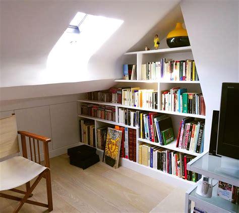 Incroyable Idee Amenagement Combles Petit Volume #1: 206818-combles-design-et-contemporain-bubliotheque-sous-comble.jpg