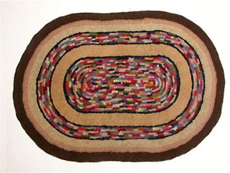 picture of rug primitive folk hooked rug