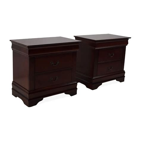 Set Of Nightstands by 62 Set Of 2 Wooden Nightstands With Drawers Tables