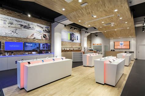 shop interior designer smartphone concept store by brigada 187 retail design blog