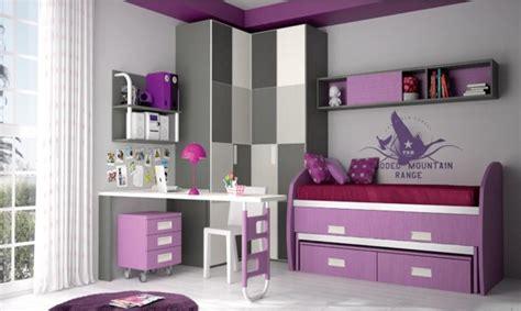 chambre enfant violet 40 id 233 es pour une chambre d enfant peinte en couleurs vives