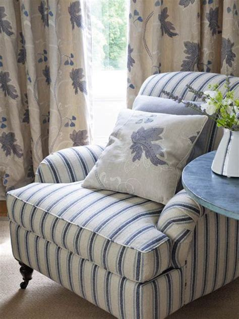 blue and white striped couch 25 best ideas about striped chair on pinterest striped