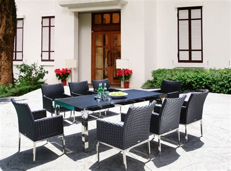 tips for choosing an outdoor furniture color