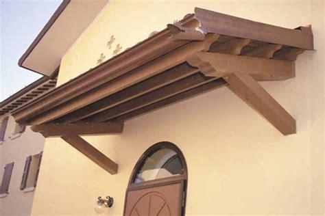 immagini di tettoie in legno tettoie fai da te pergole e tettoie da giardino