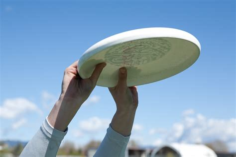 how to to catch frisbee catching vancouver ultimate league
