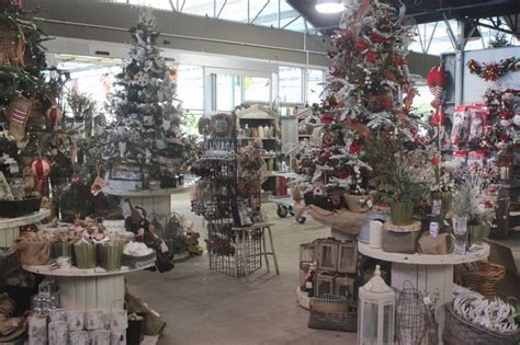 tabletop tn volunteer christmas tree boutique at the barn nursery chattanooga boutique at the barn nursery trees