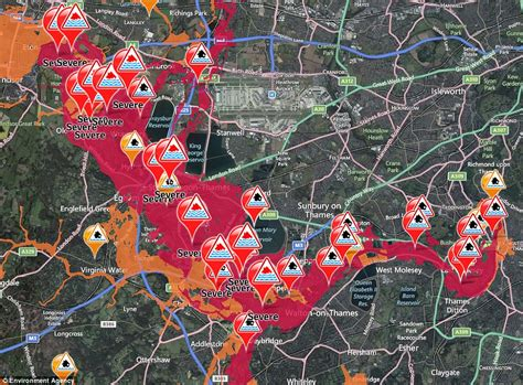 river thames flood zone havoc as floods hit new areas 108mph winds cause power