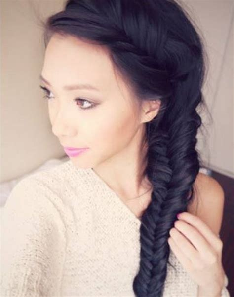 how to do a messy side braid messy fishtail side braid hair tutorial le sassafras