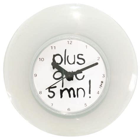 Bien Image De Salle De Bain #5: Horloge-ventouse-salle-de-bain.jpg